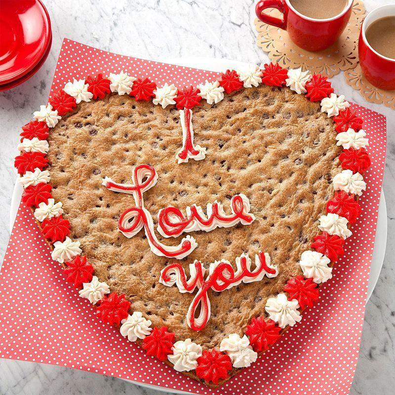 Mrs. Fields personalized cookie cake Valentine's Day