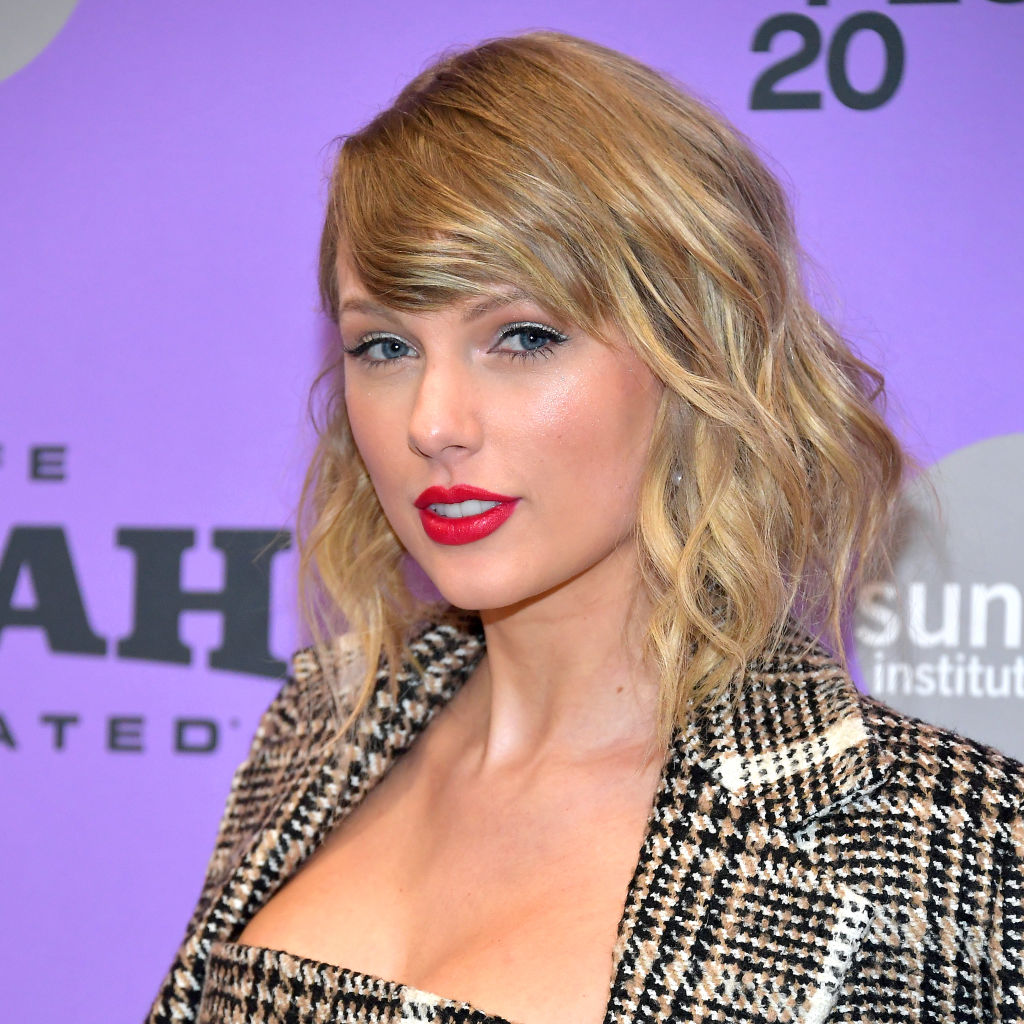 taylor-swift-cropped-bob.jpg