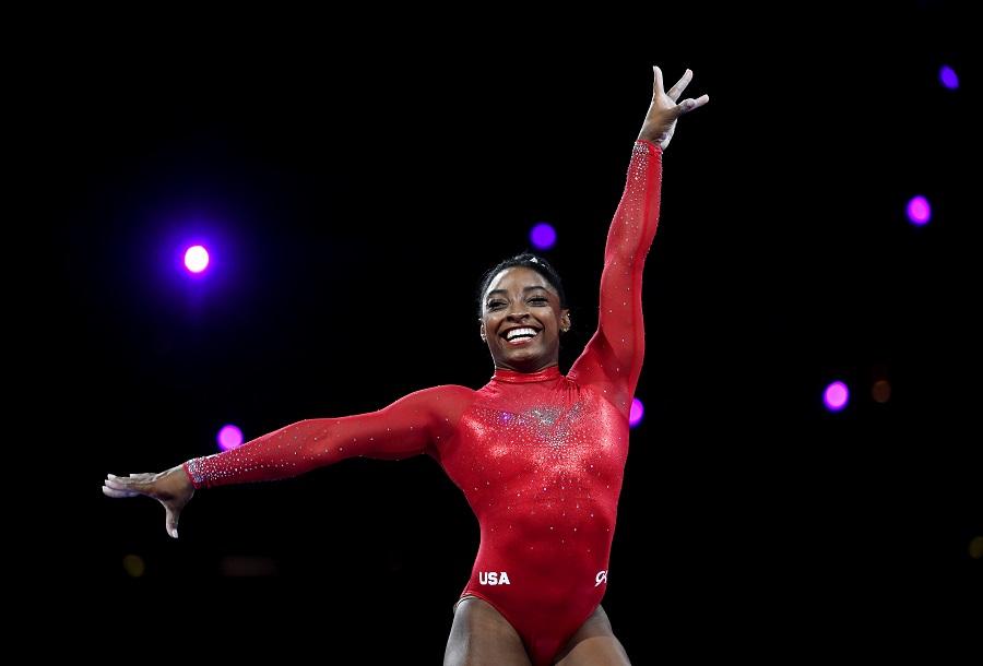 simone biles performing gymnastics
