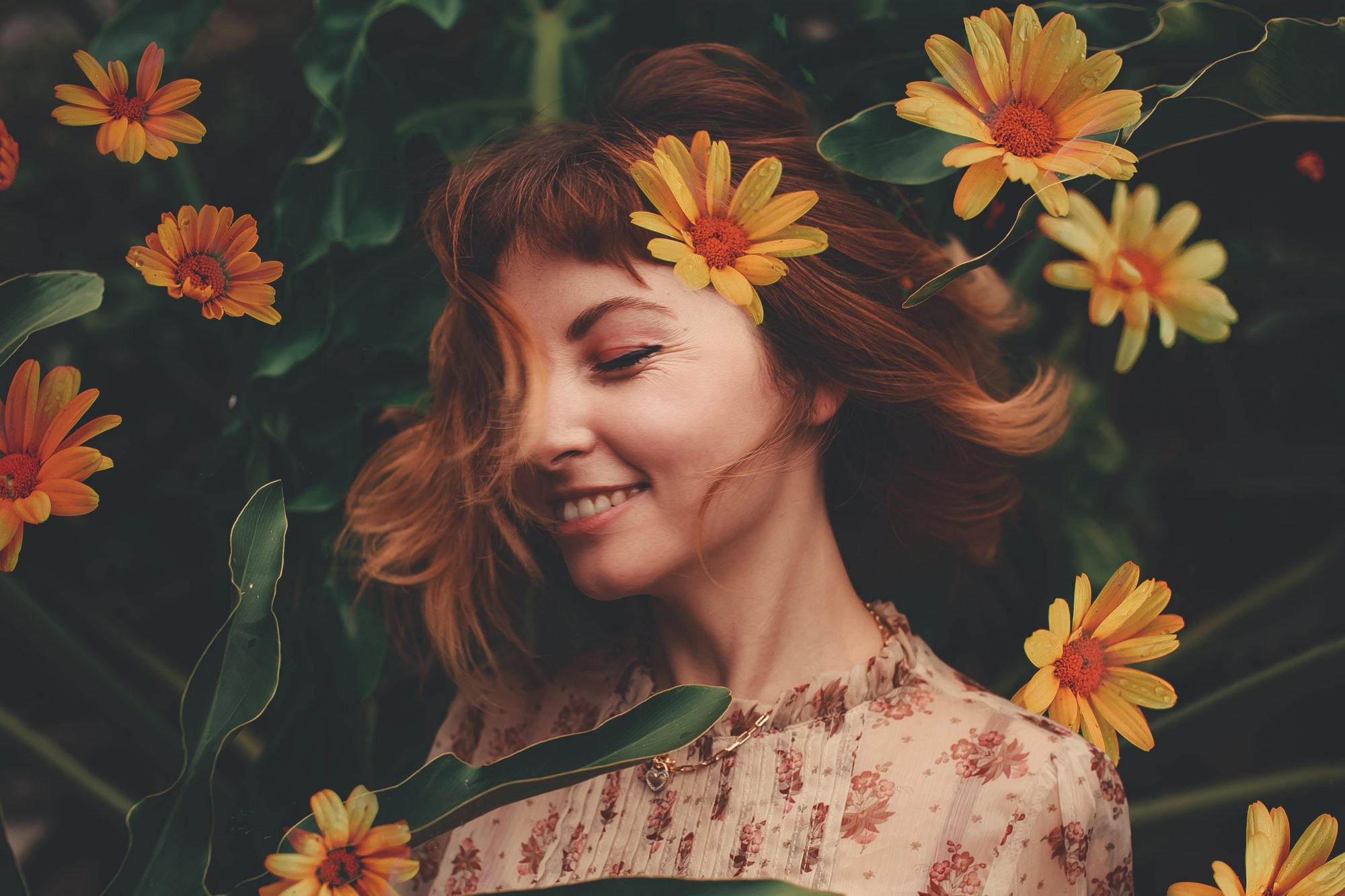 dye your hair with flowers - natural hair dye