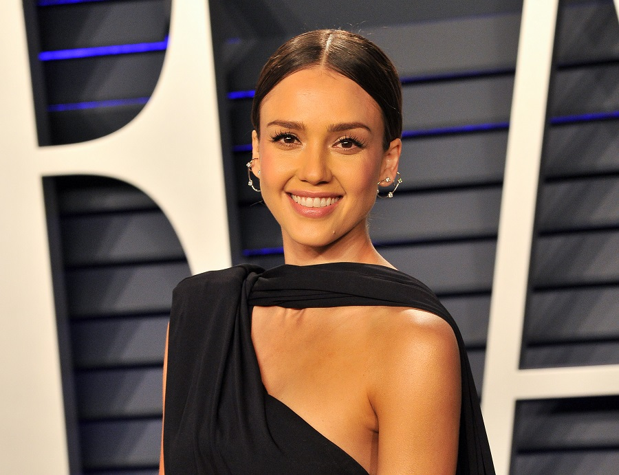 jessica alba at the vanity fair oscar party