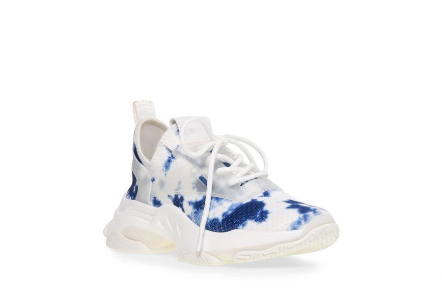 tye-dye-chunky-sneakers-steve-madden-e1584551617111.jpg