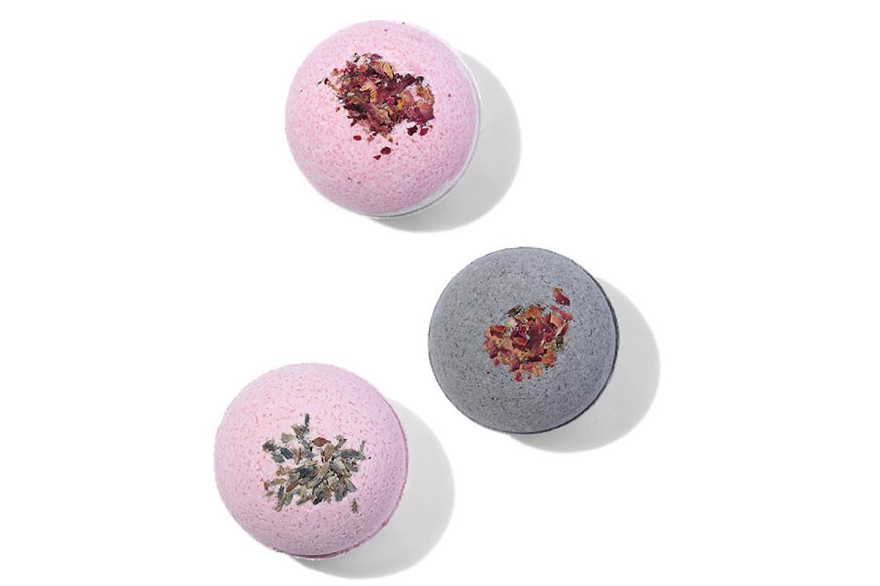 cbd-beauty-products-bath-bomb