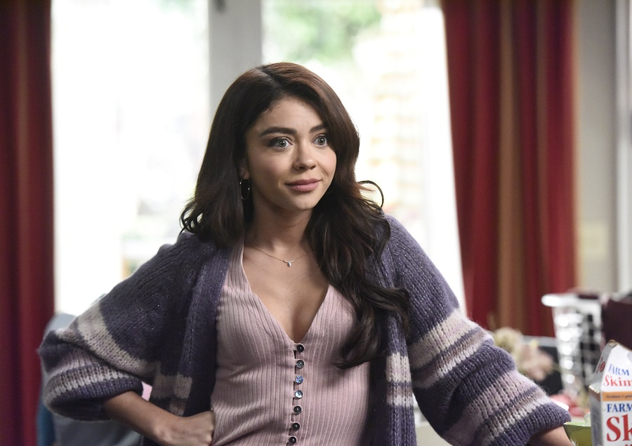 sarah hyland as haley dunphy on the series finale of modern family