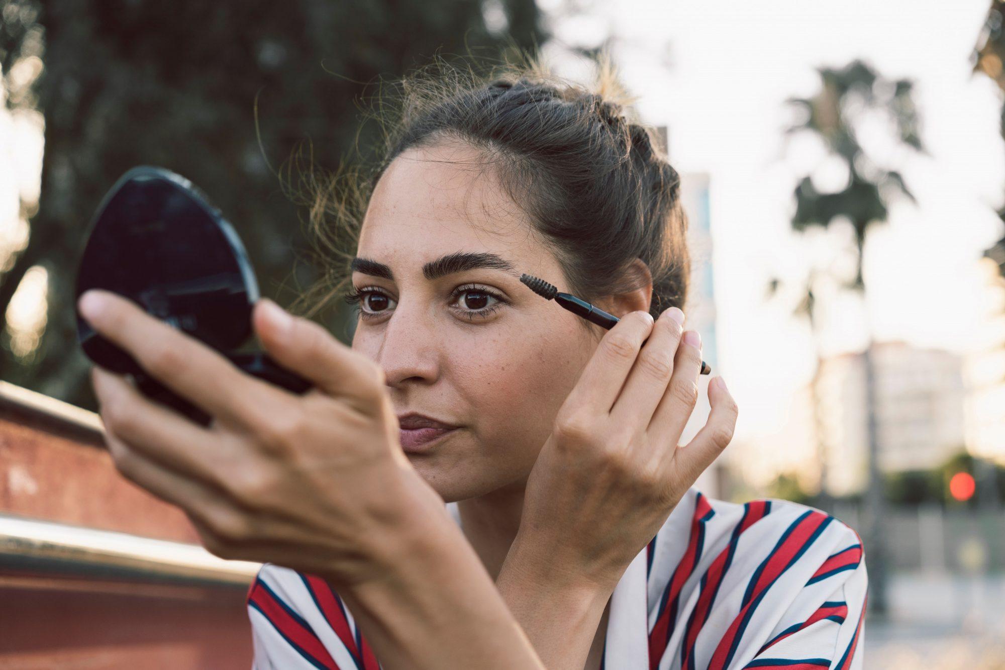 share-makeup-mascara.jpg