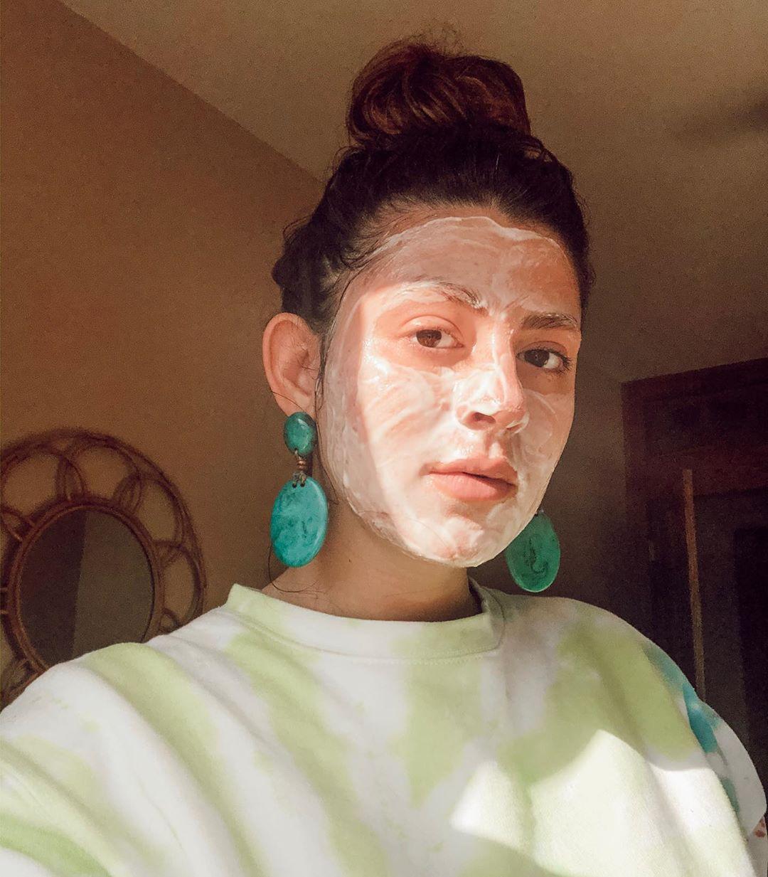 food-yogurt-face-mask.jpg