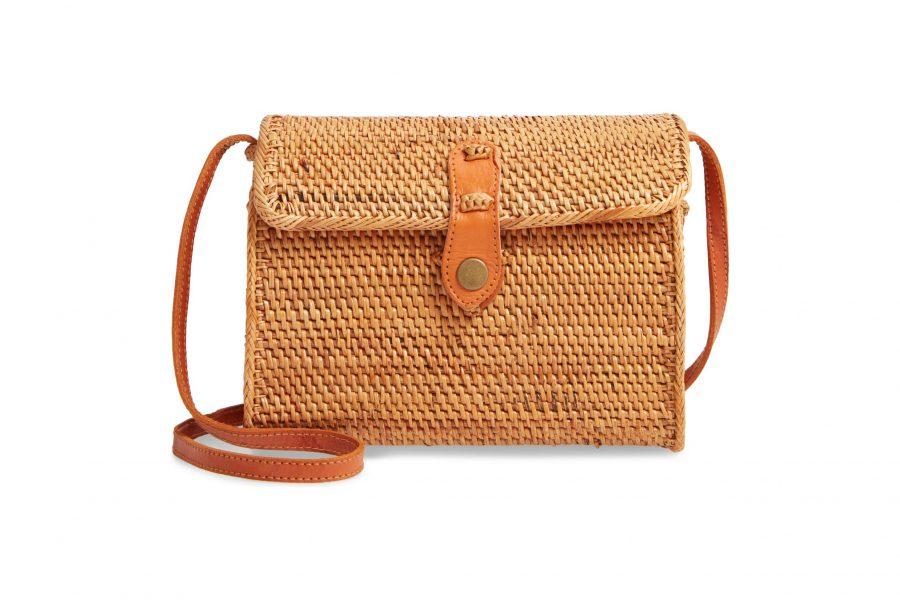 button-straw-bag-e1587425222827.jpg