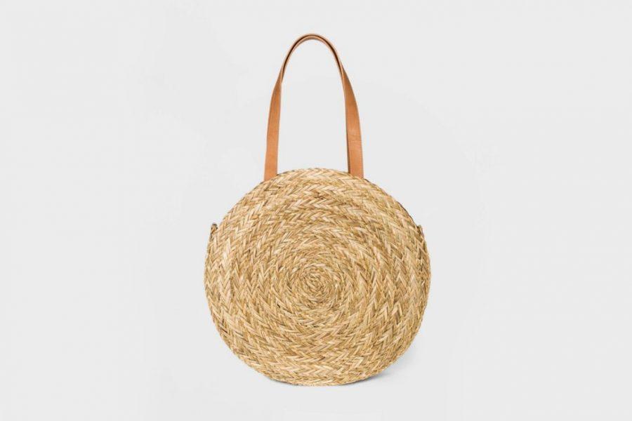 target-round-straw-bag-e1587420254715.jpg
