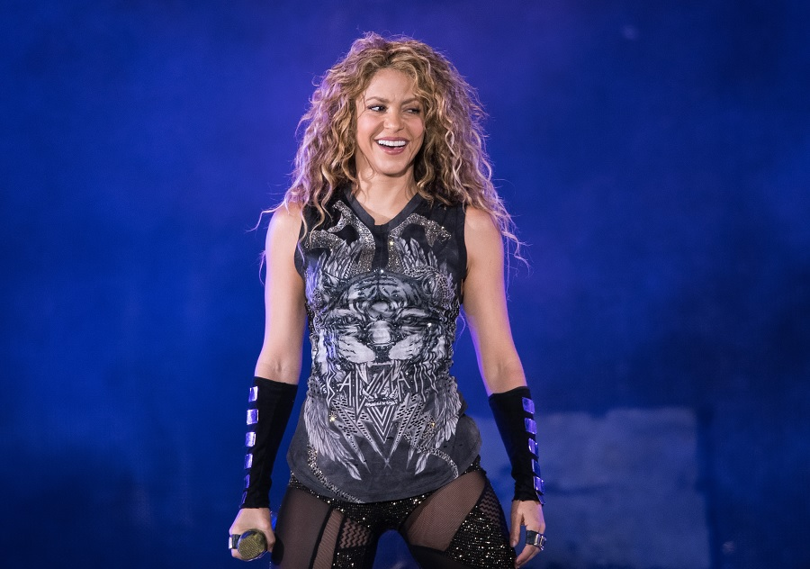 shakira performing on stage