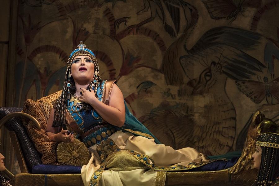 metropolitan opera performance of aida