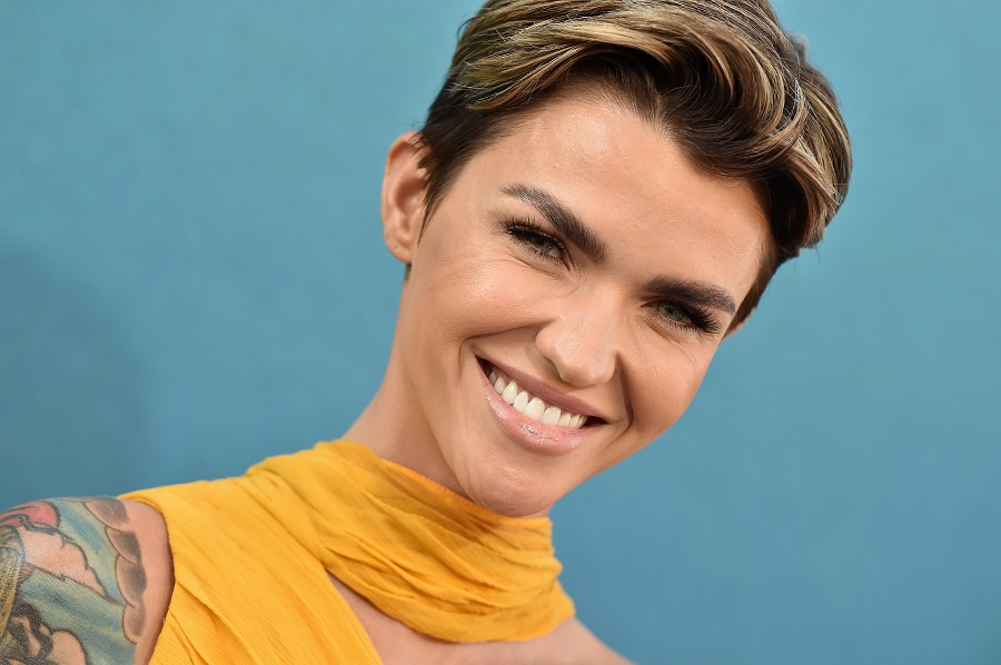 ruby rose hair on red carpet of The Meg premiere