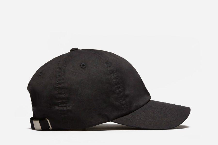 everlane-hat-e1589484504261.jpg