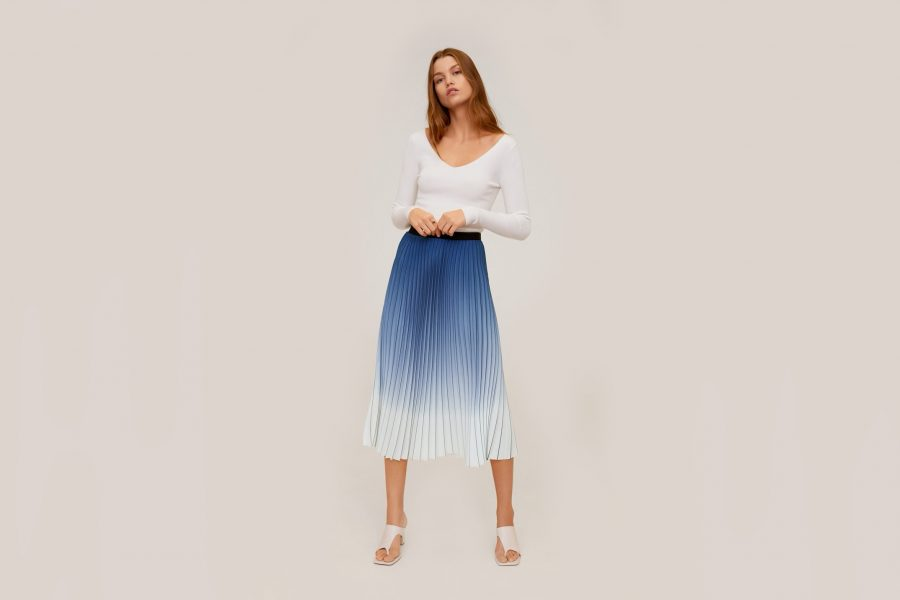 mango-blue-skirt-e1589990847775.jpg