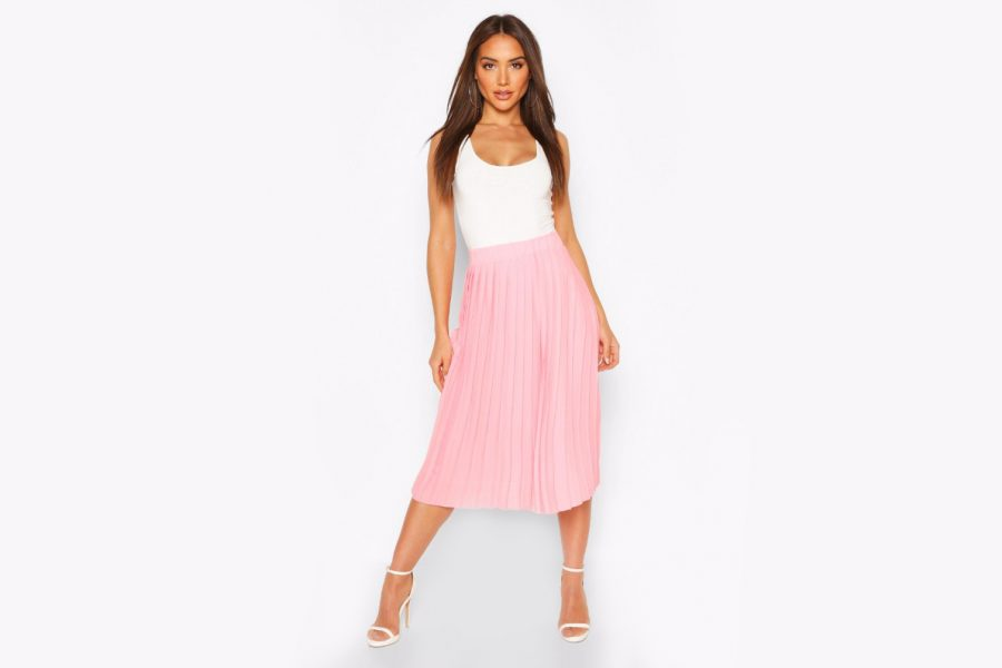 pleated-skirts-boohoo-pink-e1589837077126.jpg
