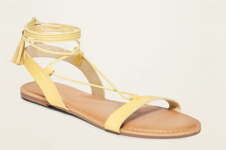 old-navy-strappy-sandals-e1590000871938.jpg