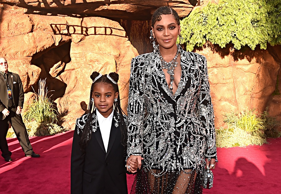 blue ivy carter and beyonce on lion king red carpet