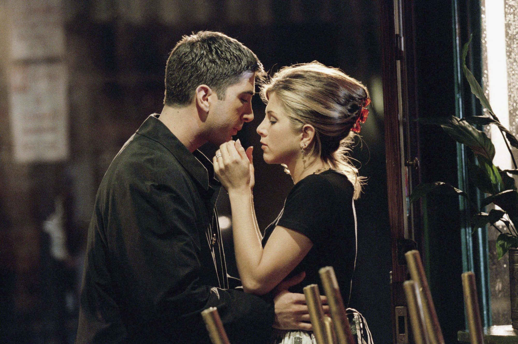 ross and rachel on Friends, david schwimmer and jennifer aniston