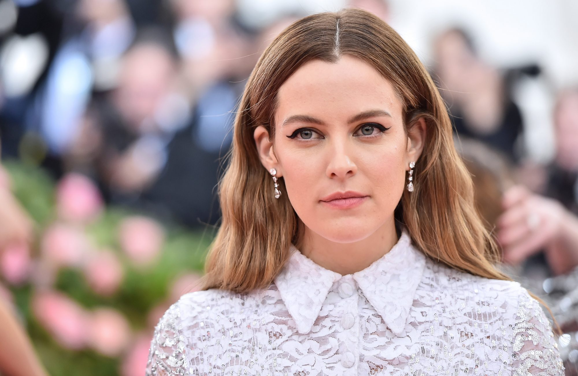 riley keough at the 2019 met gala