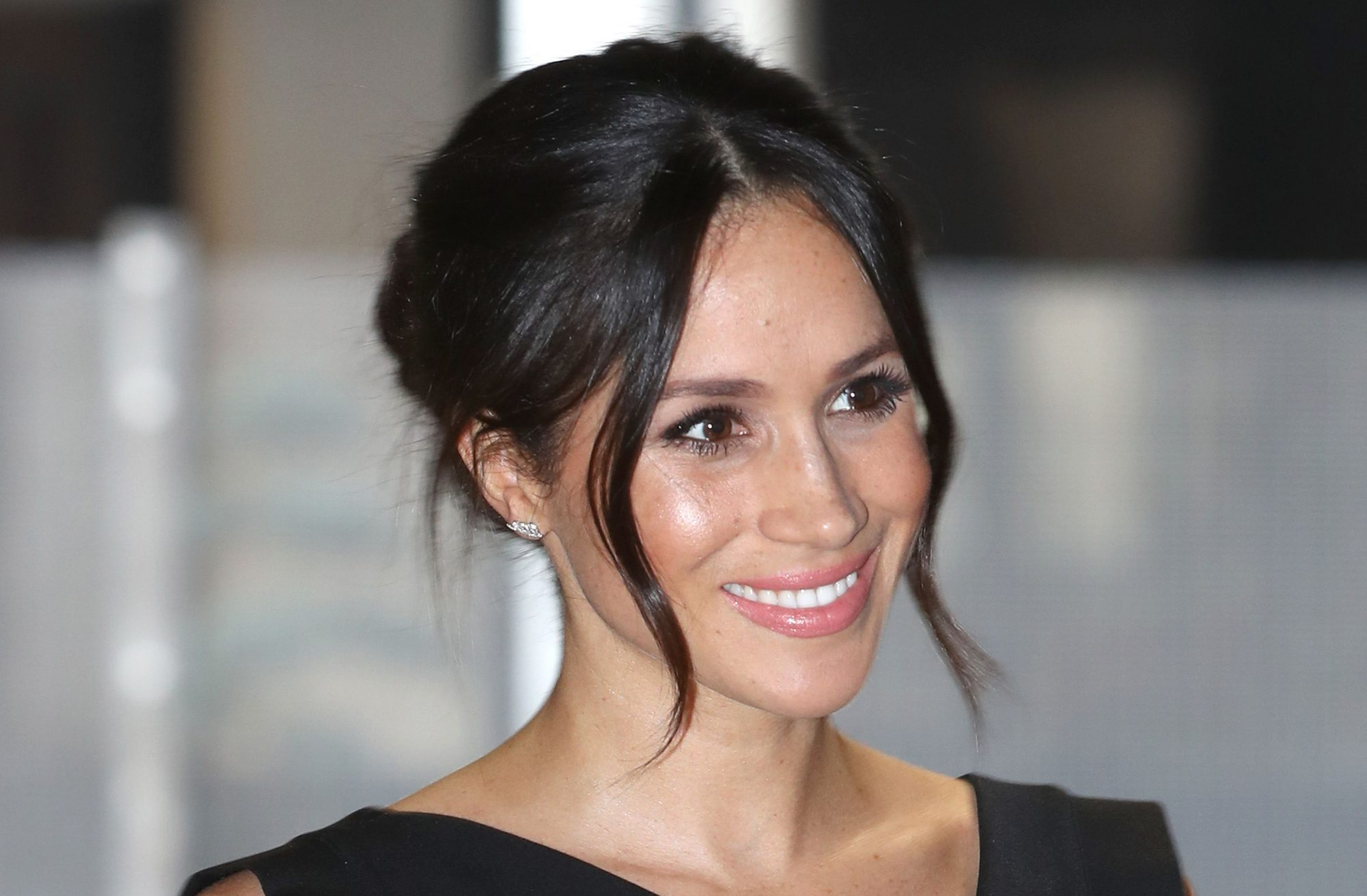 meghan markle eyelash serum