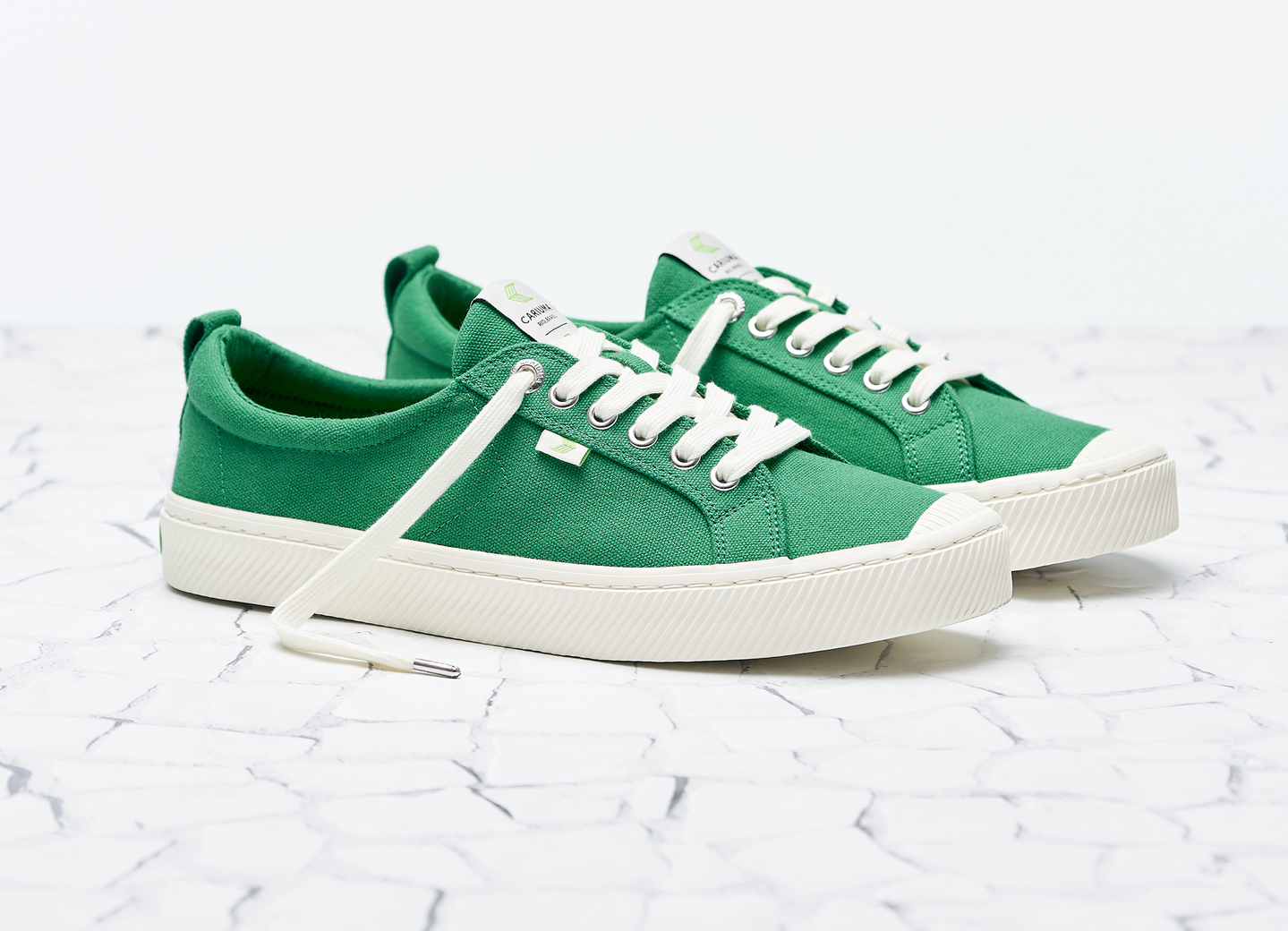 cariuma sustainable sneakers, sustainable shoe brands