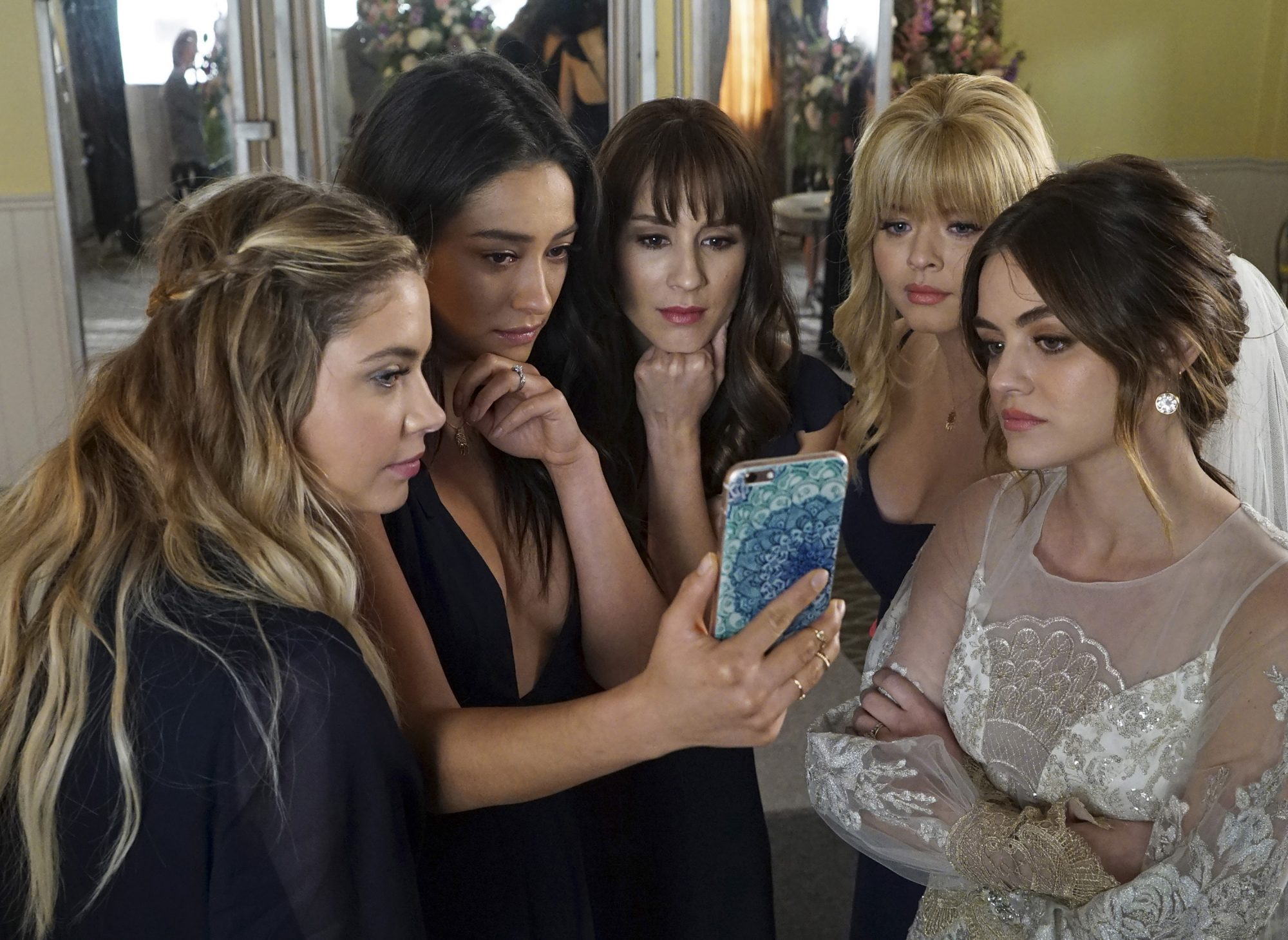 pretty little liars reboot plot and name