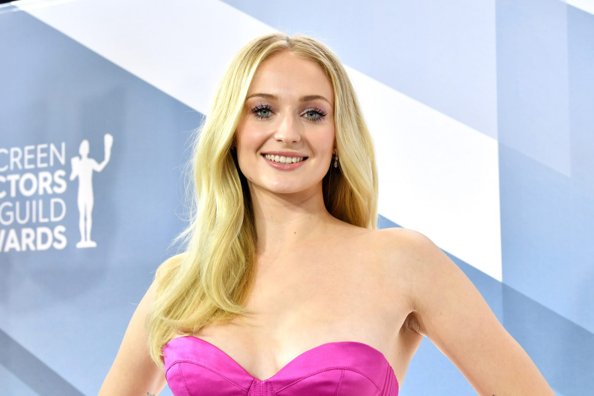 sophie turner pregnant instagram photos