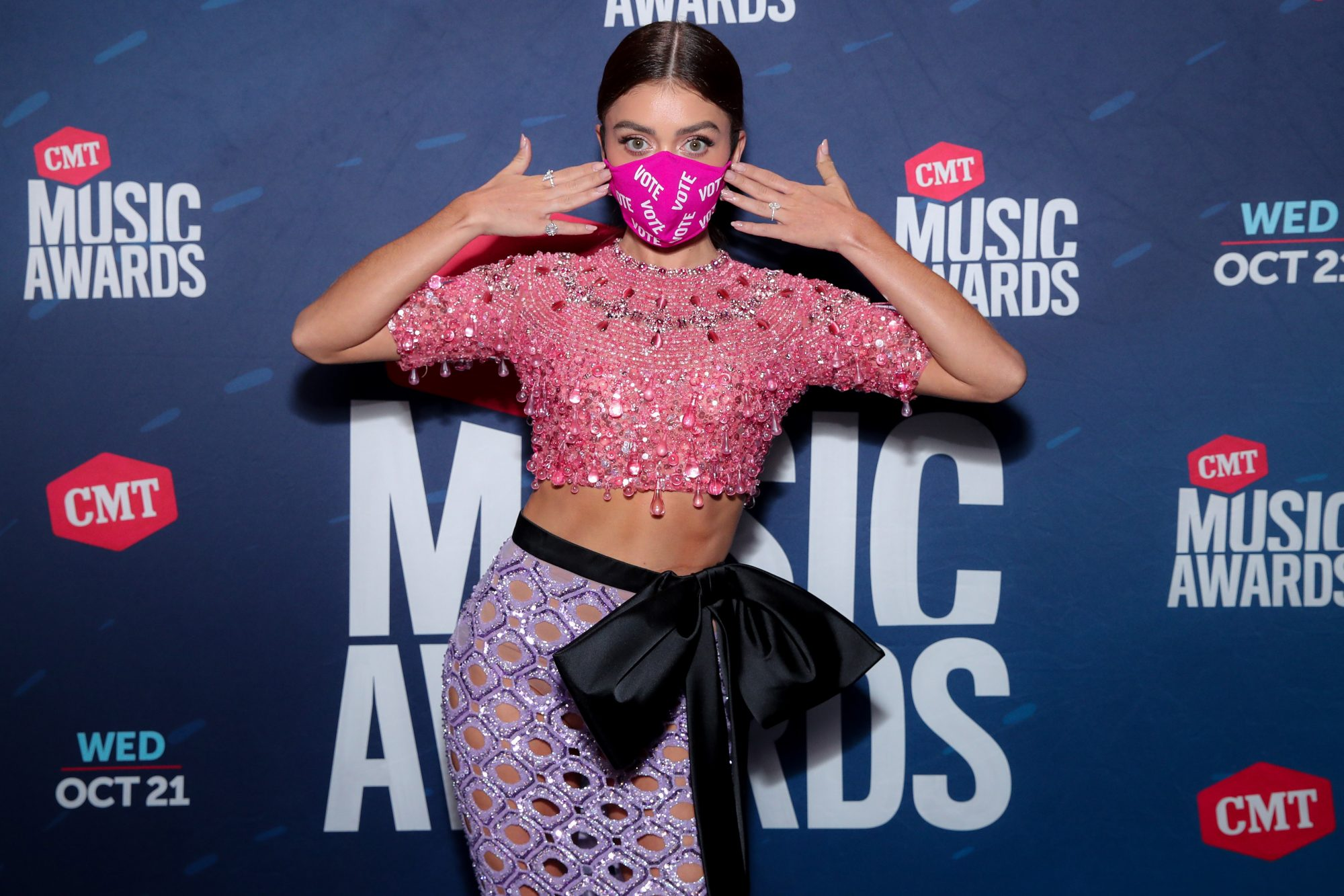 sarah hyland 2020 cmt music awards