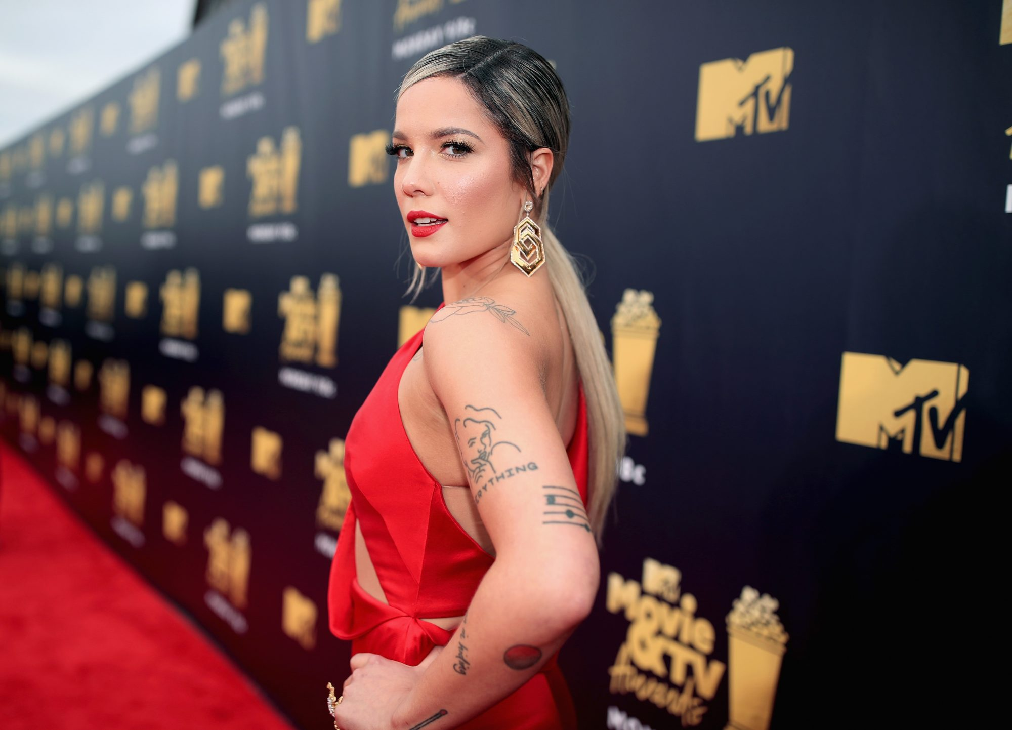 halsey head tattoo buzz cut