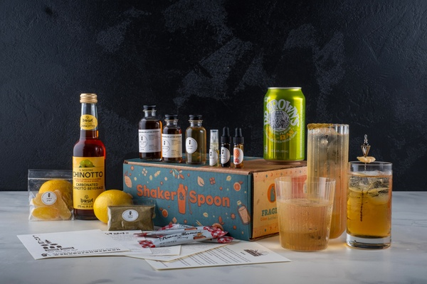 shaker and spoon cocktail box subscription