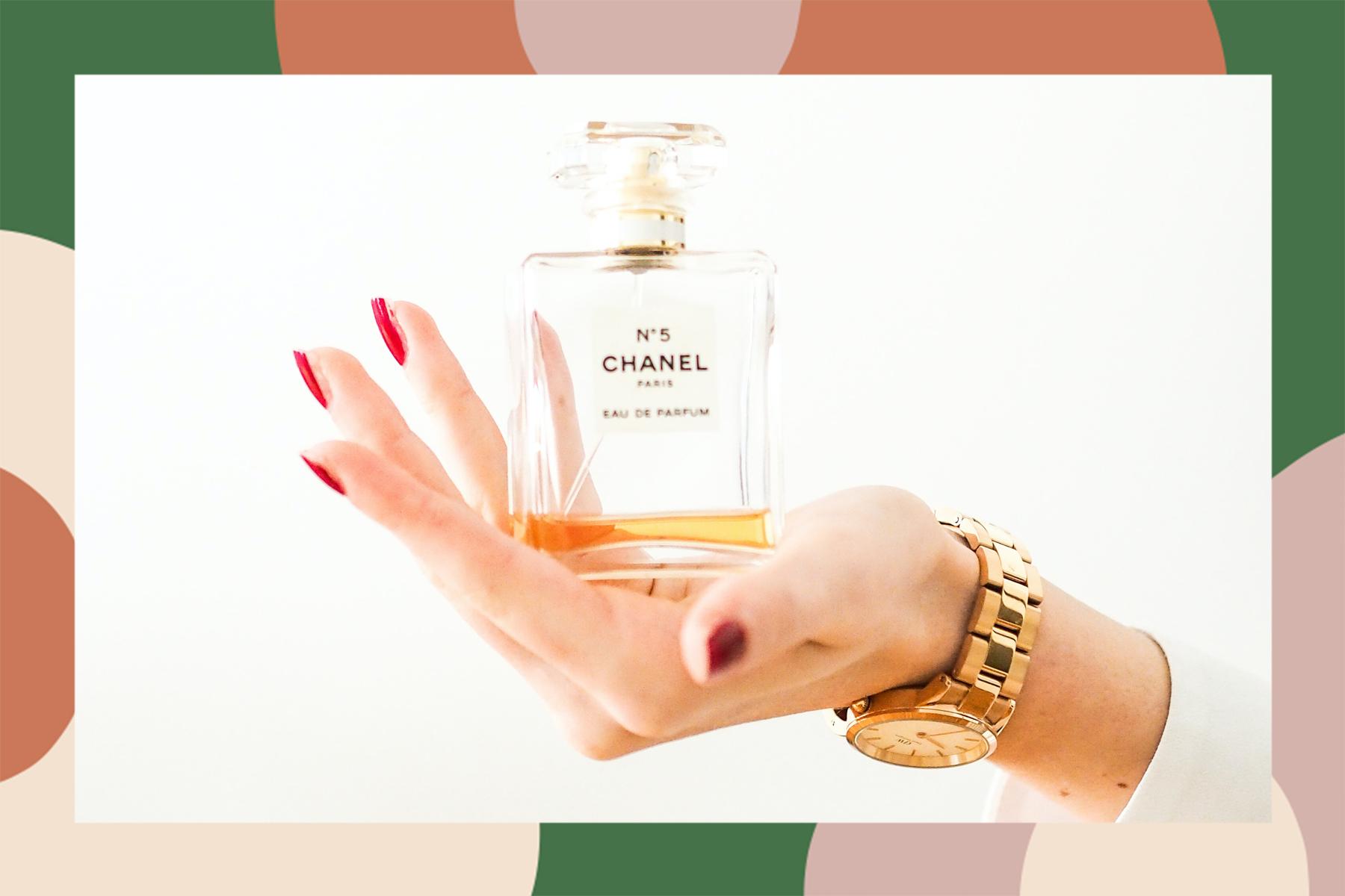 how to apply perfume