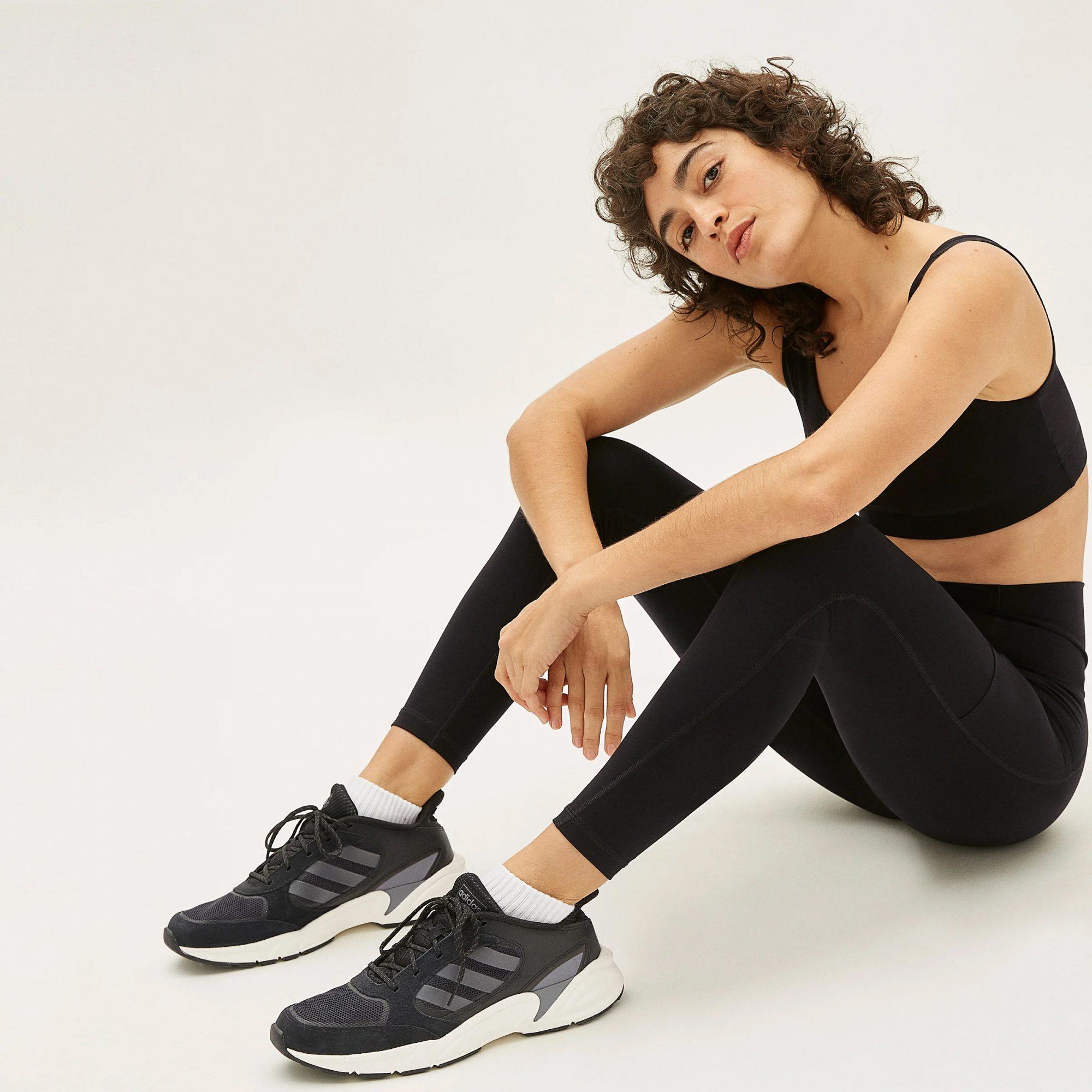 black perform leggings