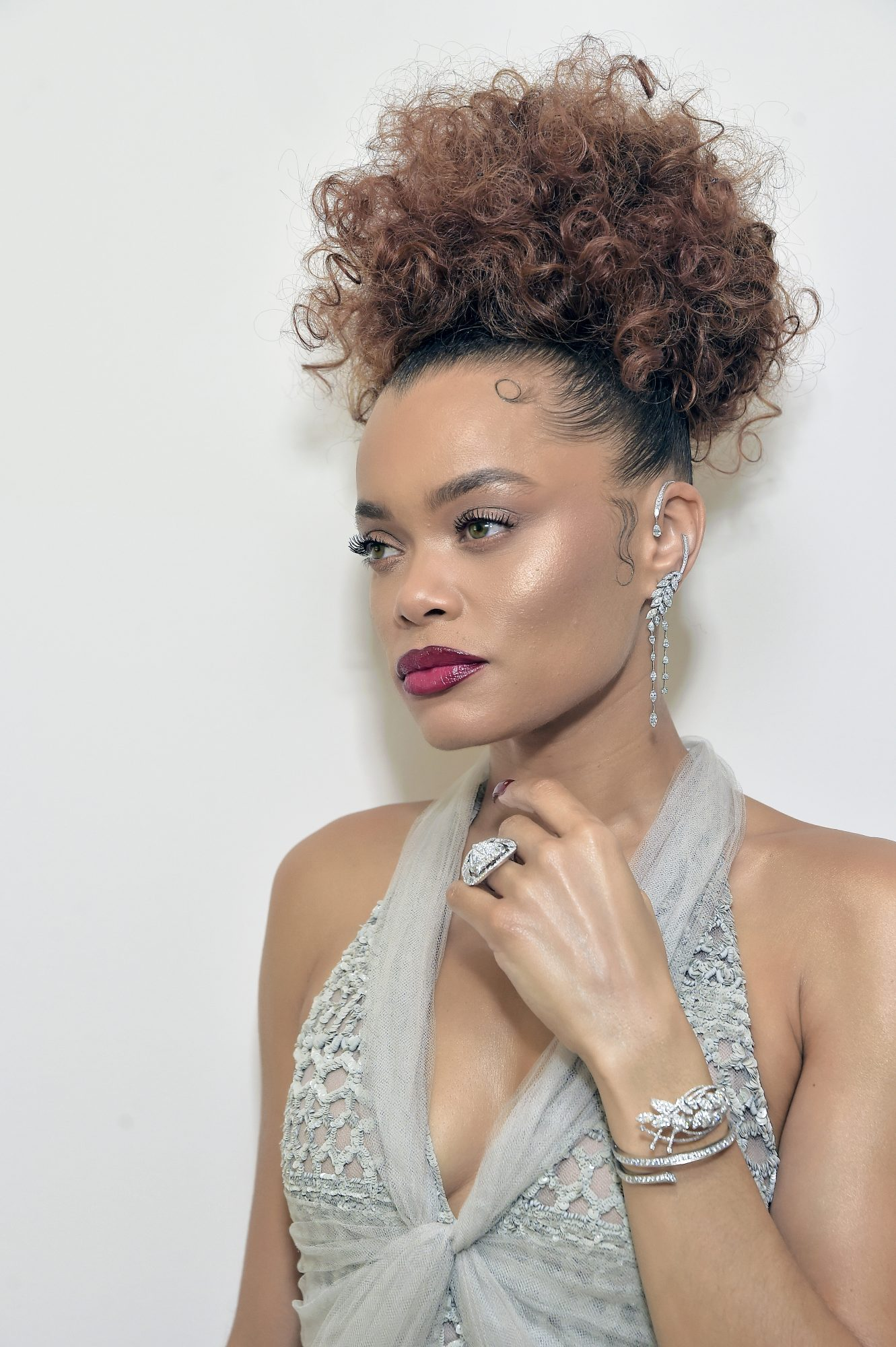 golden globes 2021 andra day beauty