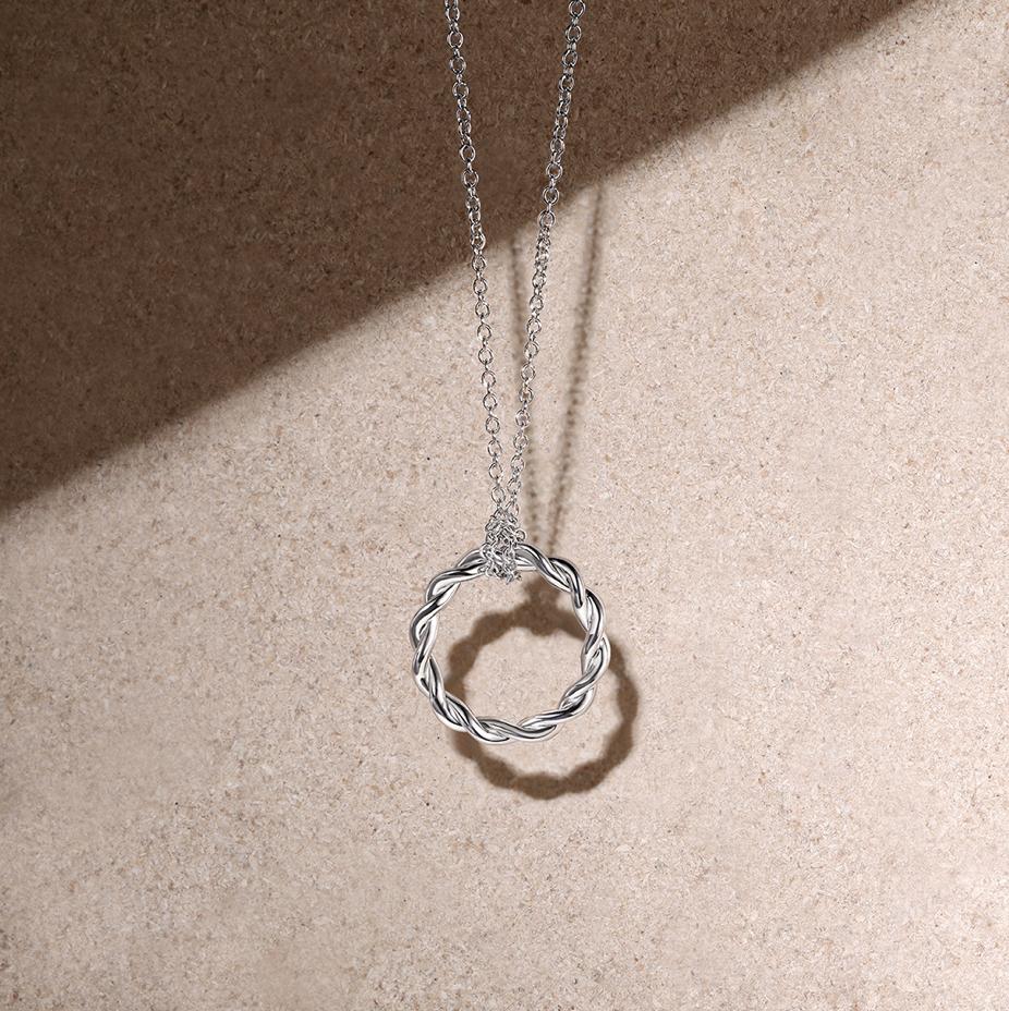 Grammys gift bag necklace