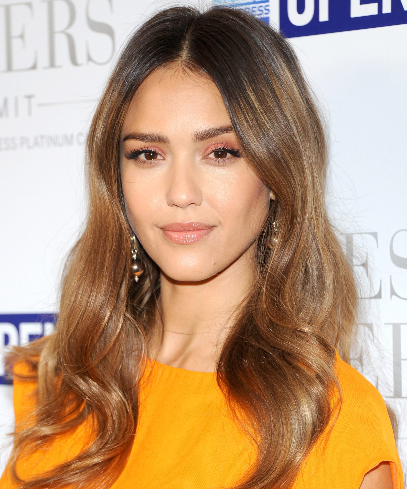 Jessica Alba's Shiny Waves