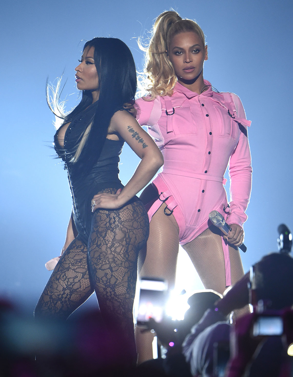 Beyonce and Nicki Minaj Performing