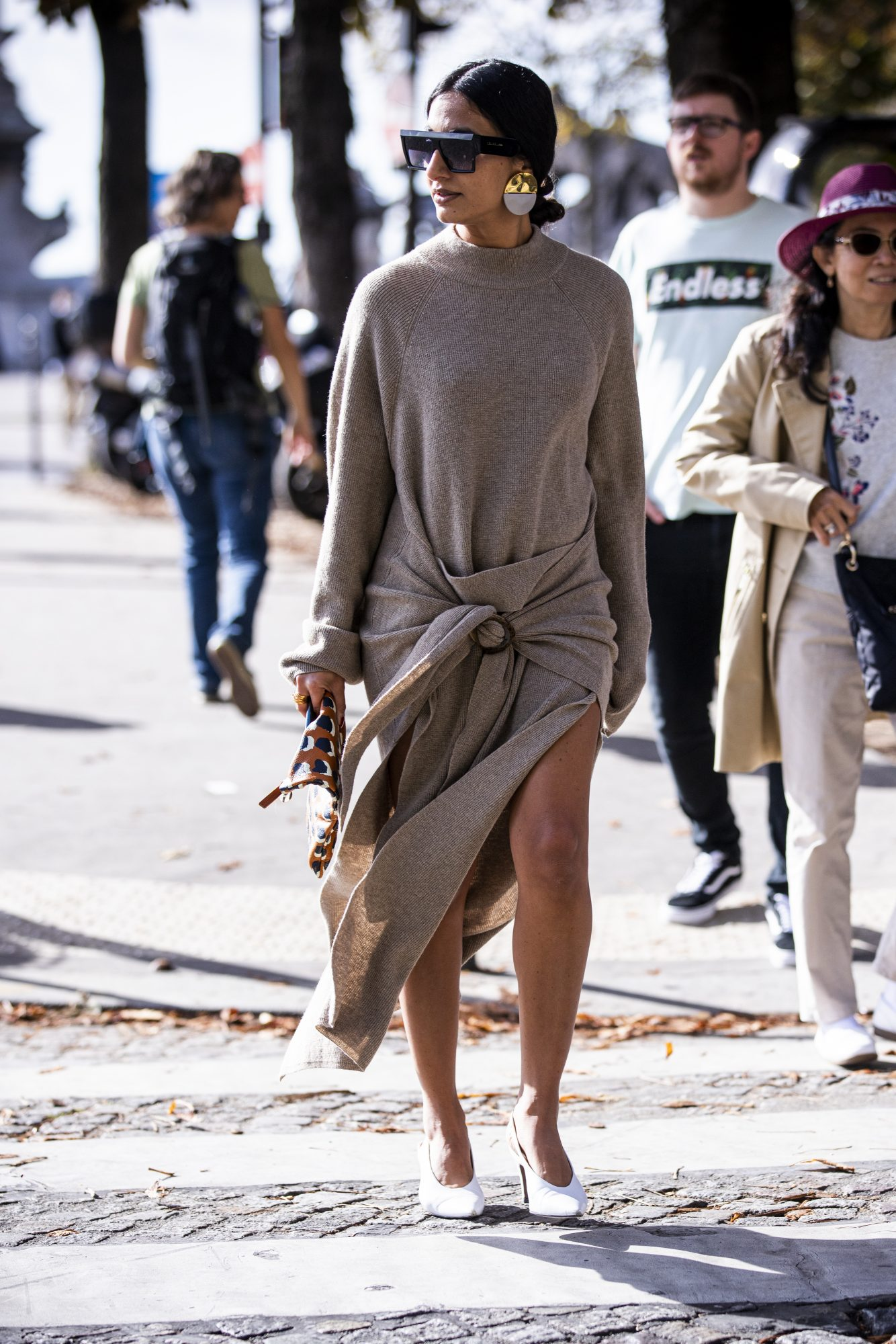 Sweaterdress outfit idea