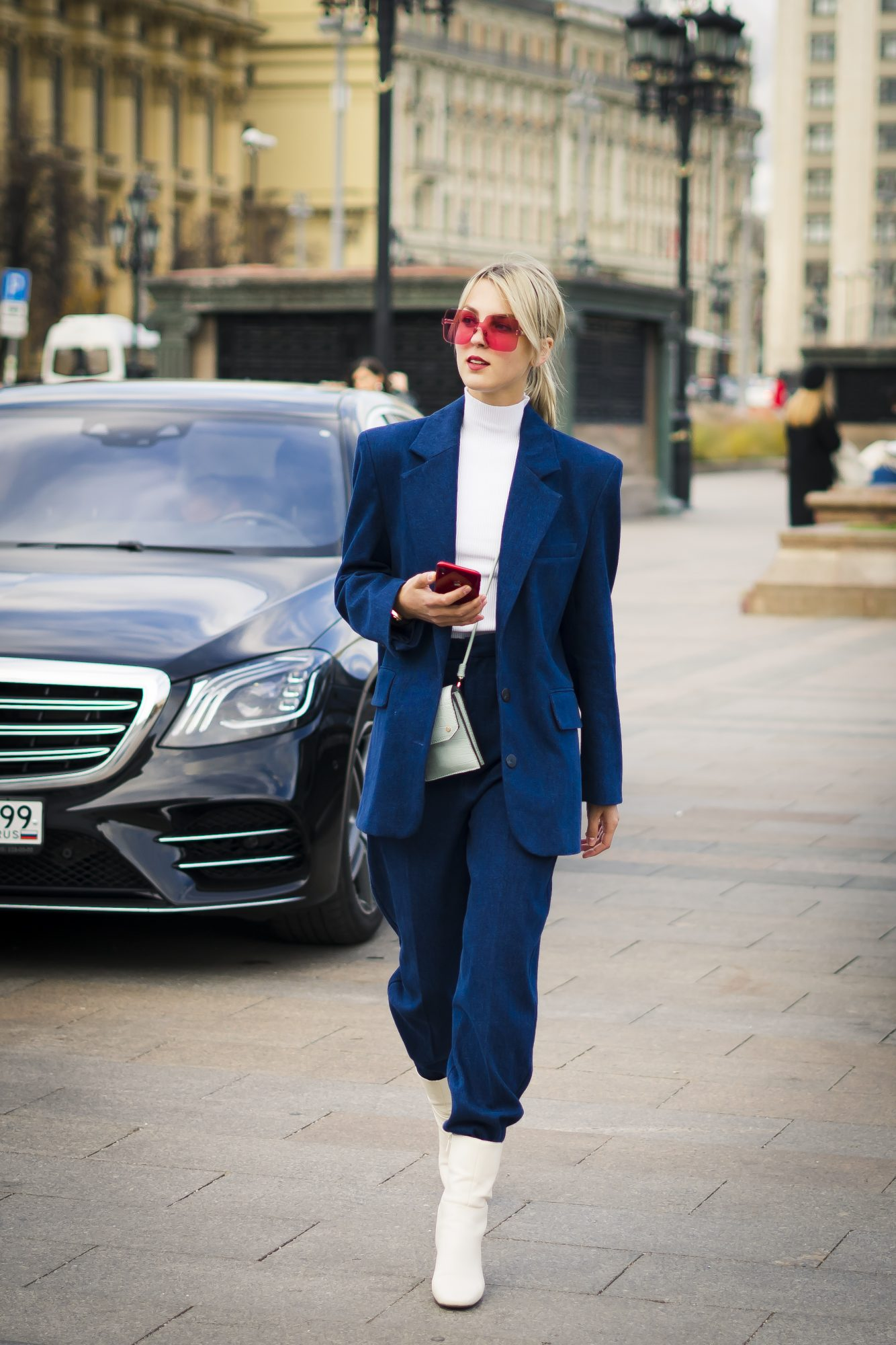 Suit and boots street style outfit