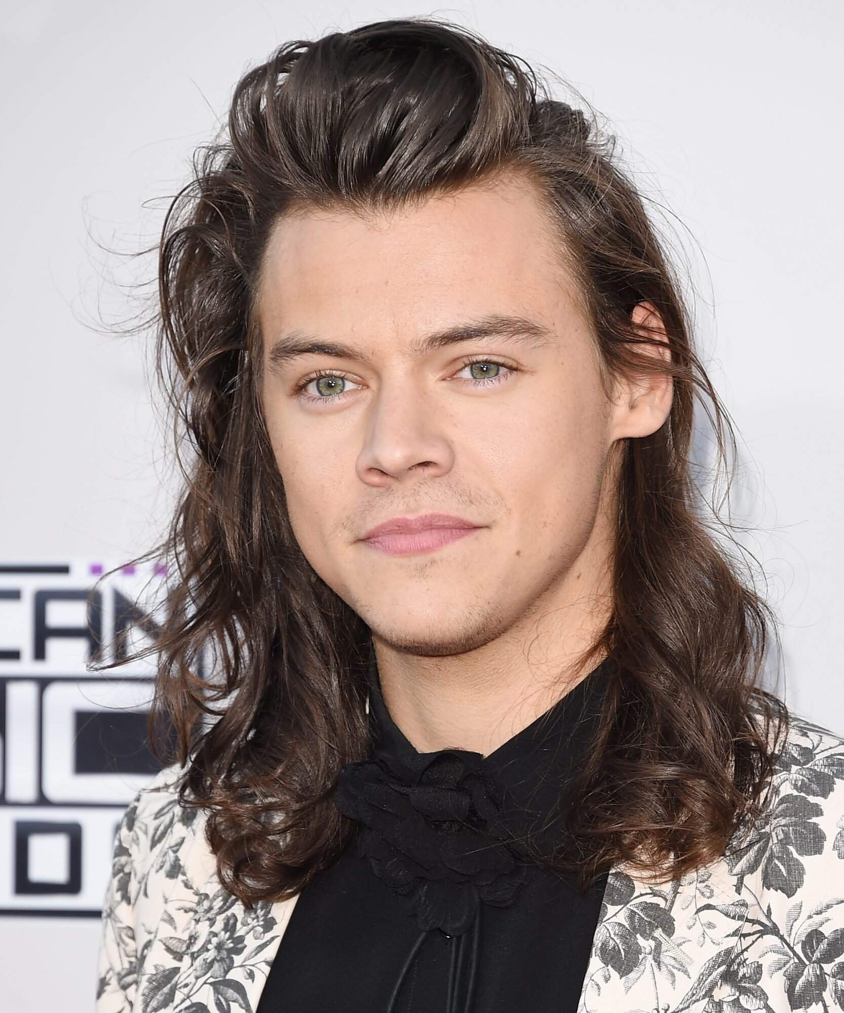 Harry Styles Cut His Hair Instyle