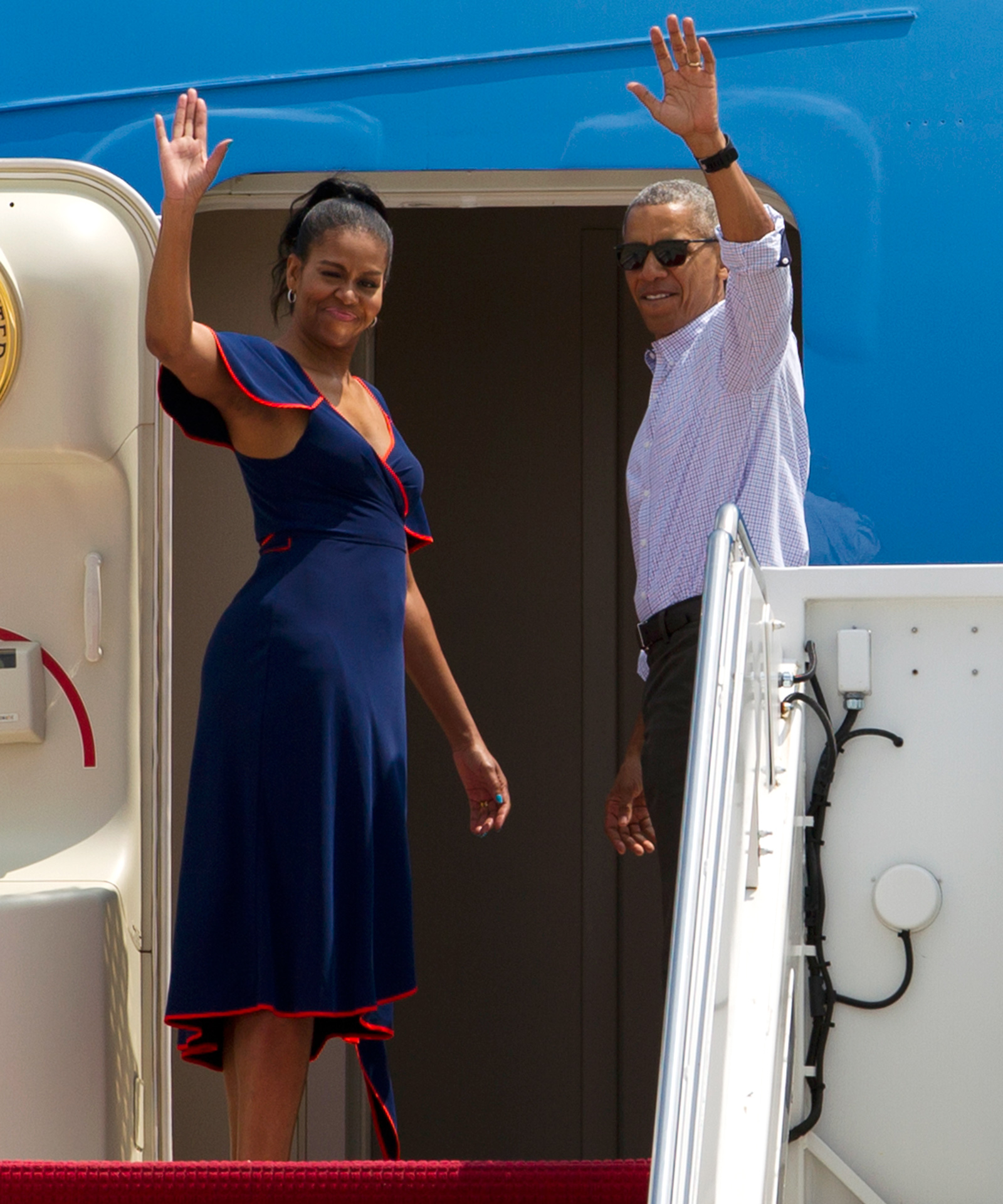 The Obama's Vacation - Lead