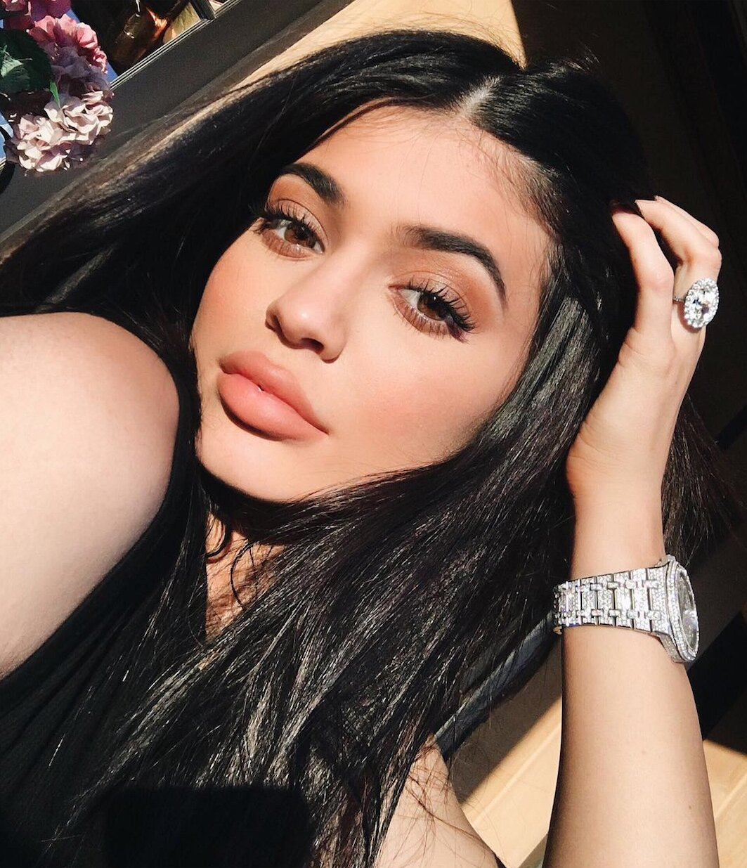 Kylie Jenner Shows Off Her Freckles In A No Makeup Selfie Instyle
