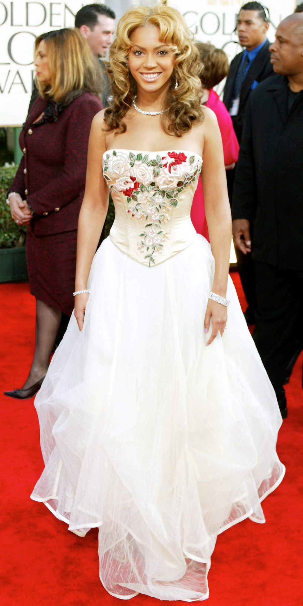 Beyonce In White Dresses Beyonce Wearing Wedding Dresses Red Carpet Instyle