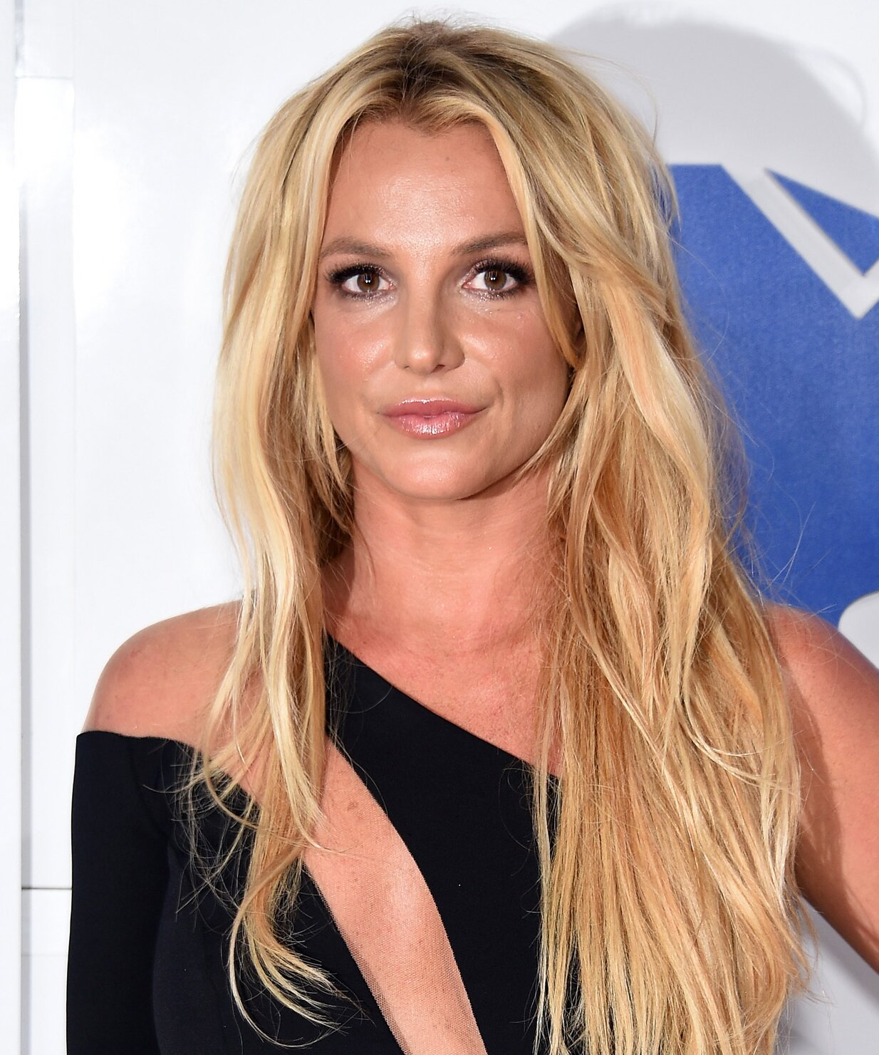 Britney Spears Shows Off Her And Her Son S Haircut On Instagram Instyle