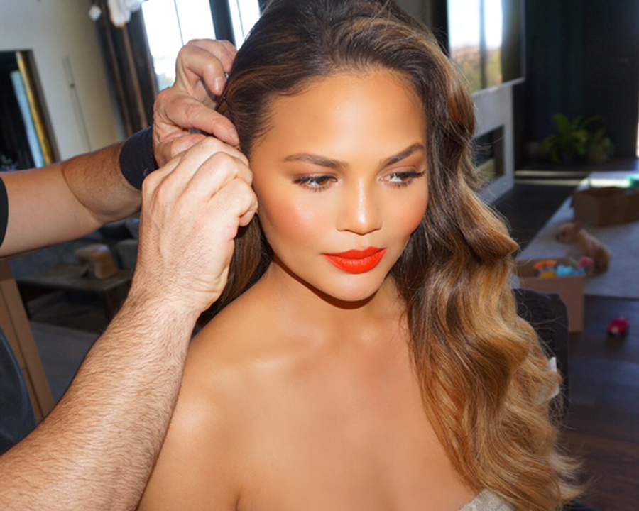 SAG 2017 Chrissy Teigen Getting Ready - Embed 2017