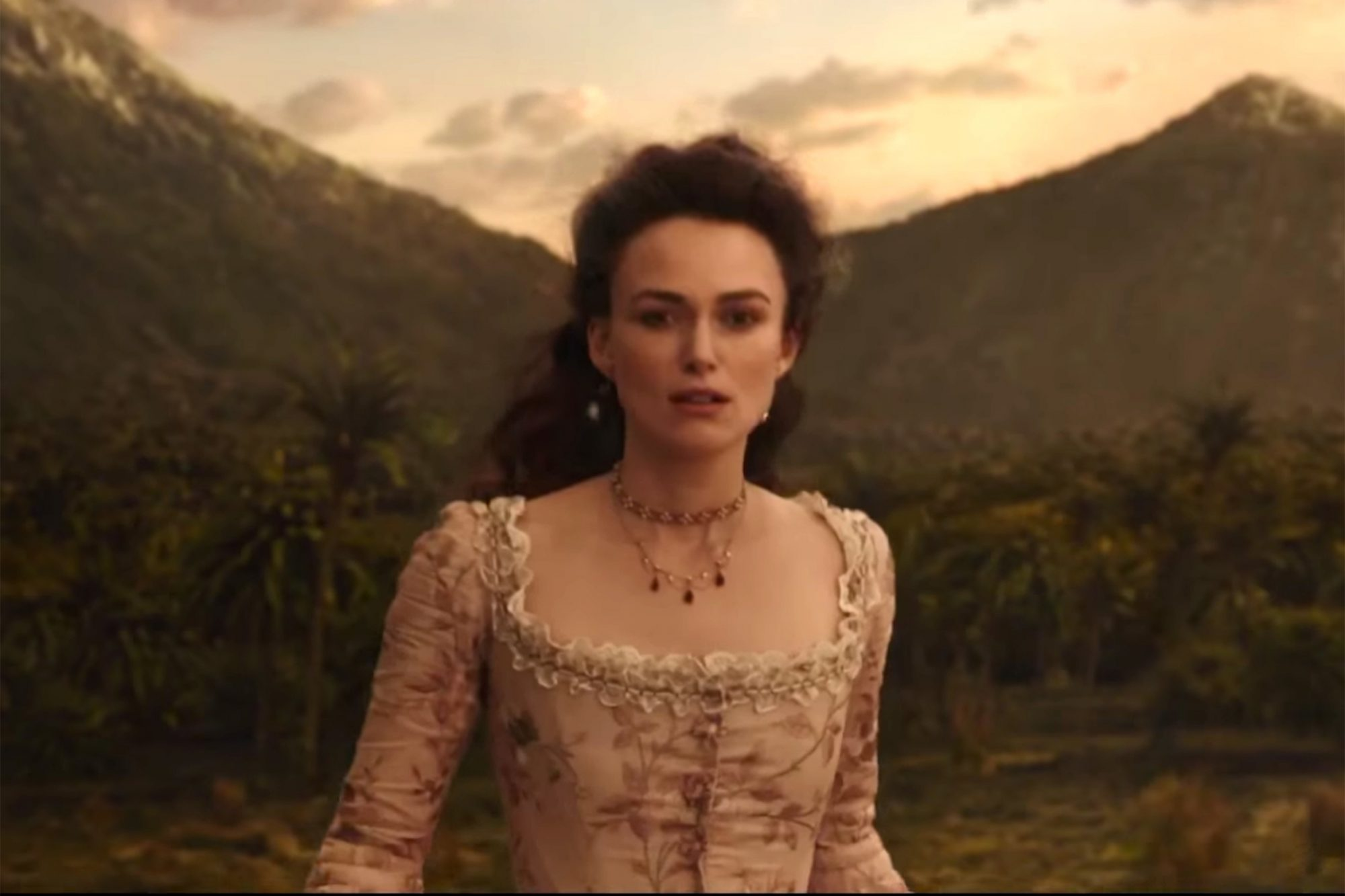 Keira Knightley returns in 'Pirates 5' international trailer