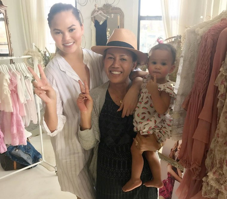 Chrissy Teigen Mom