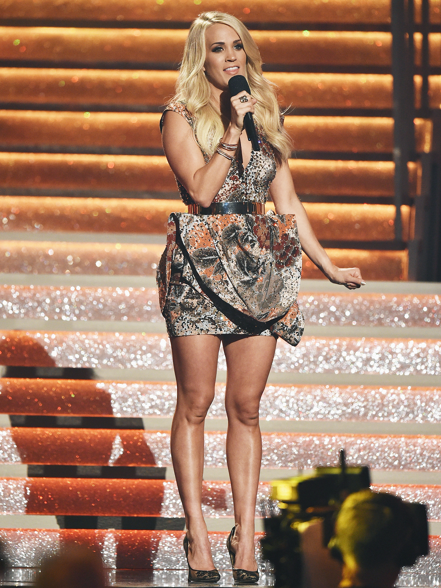 Carrie Underwood in Structural Mini
