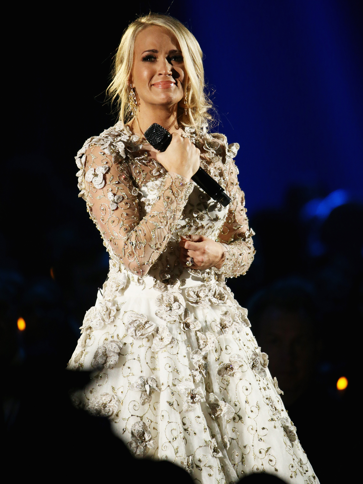 Carrie Underwood in Angelic White Performance Look