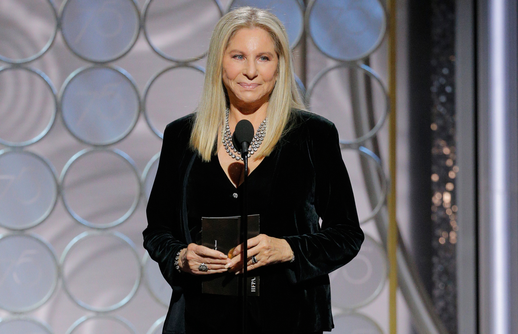 Barbra Streisand Golden Globes - LEAD