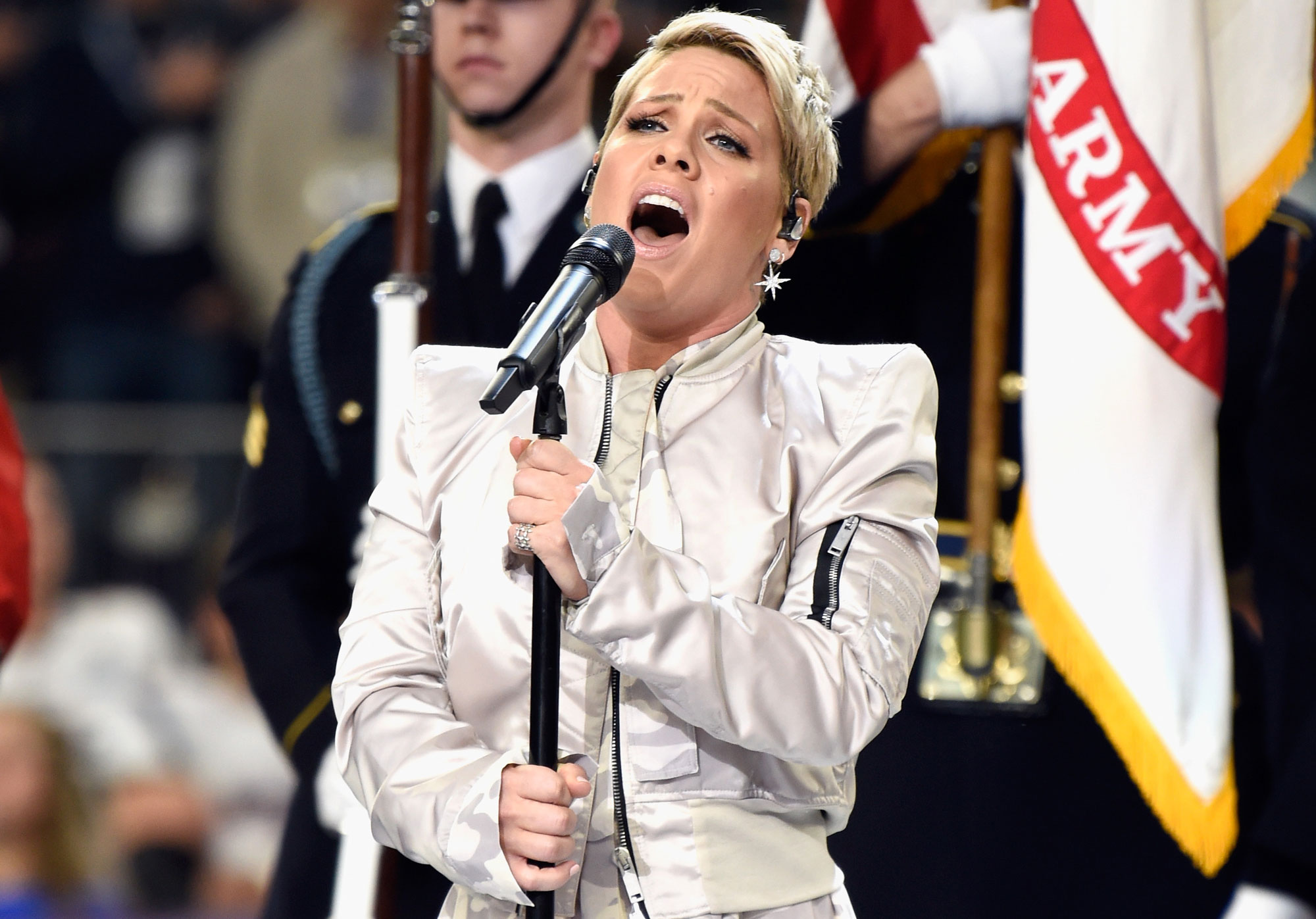 Pink Super Bowl National Anthem Clapback - TOUT