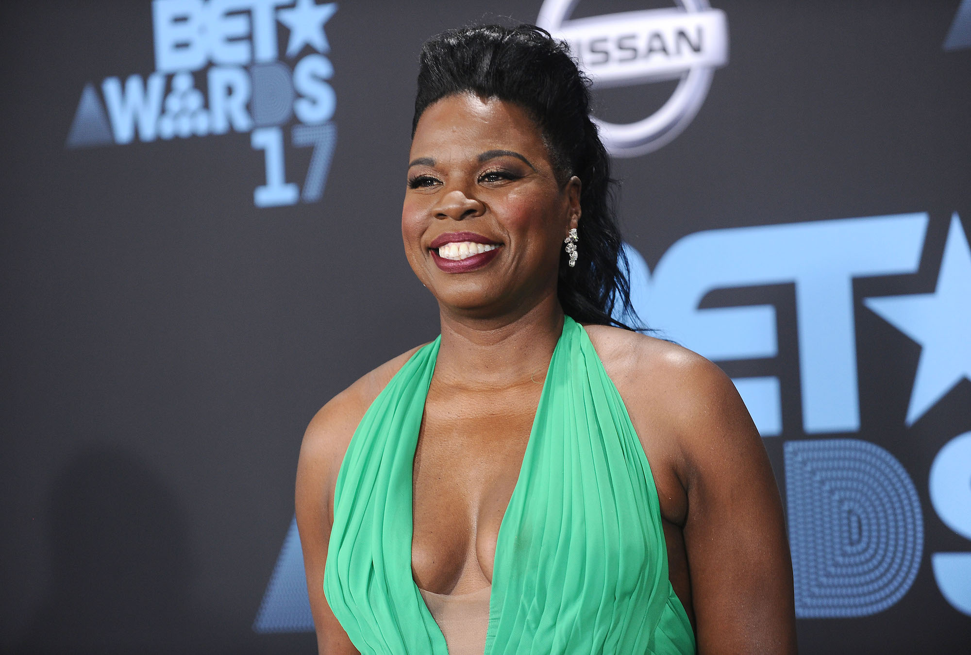 Leslie Jones lead
